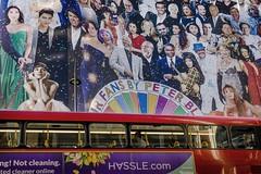 fans... (Peppis) Tags: londra london uk street people streetlife streetshot streetphotography bus peppis nikon nikond7000