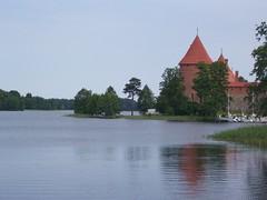TRAKAI - (Lituania) (cannuccia) Tags: paesaggi landscape trakai lituania natura castelli torrioni acqua lagogalve laghi