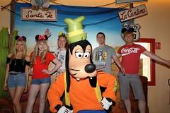 Disneyland Paris 2017 (Elysia in Wonderland) Tags: disneyland paris 2017 elysia birthday 25th anniversary 25 france goofy character meeting meet greet santa fe hotel lucy pete shaun becca