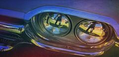 J'étais pas too phares away...  Exposition de vielles voitures à Coteaux-du-Lac  Caméra: iPhone 6 Traitement: iPad  François Meehan
