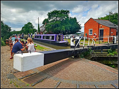 Lunch at The New Inn (Jason 87030) Tags: guc grandunioncanal water towpath inn pub meal lunch thenewinn longbuckbywharf northants n orthamptonshire june 2017 phone shot snapshot image flickr tag people customers punters rare pretty exclusive capture explore exist amazing pro amateur snap photo super great fantastic world bright light art photograph new trip uk sky travel sweet yummy bestoftheday smile picoftheday life allshots look nice likes lol photostream fat hairy arse lock leisure tracey scene view mrmuggins purple narrowbaot cut frame border