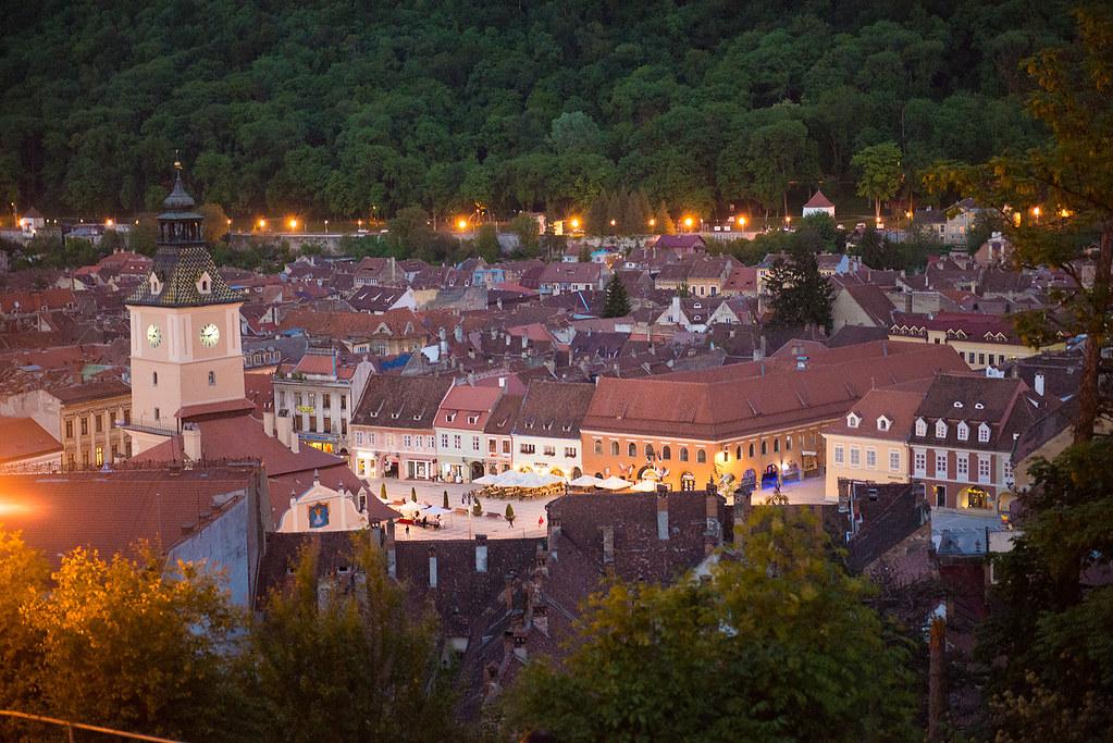 фото: Brasov at evening