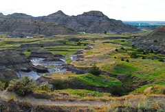 amazing view (ekelly80) Tags: montana makoshikastatepark june2017 summer roadtrip keisgoesusa badlands glendive geology scenery hike trail river riverbed below lookdown meadow green colors rocks mountains hills sun light evening valley
