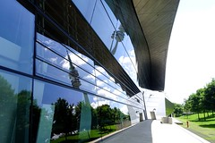 BMW Welt DSC09030 (Chris Belsten) Tags: design munich münchen deutschland bmwwelt metal industrialdesign industrialarchitecture architecture coophimmellau bmwag industry bmw stockcategories