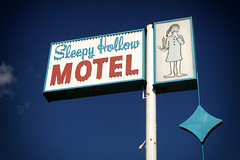 Sleepy Hollow Motel (avilon_music) Tags: sleepyhollowmotel buelltonca motel motels vintagemotelsigns markpeacockphotography hwy101 california 1960smotels motelsigns signs signage rx100m2 sleepyhollow
