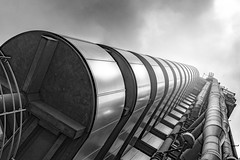 Stacked Steel (frank_w_aus_l) Tags: london greatbritain england monochrome x100t fuji perspective steel lloyds building architecture skyscraper bw sw contrast blackandwhite city vereinigteskönigreich gb