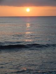 Wave and sunset (Rubén HPF) Tags: san diego sunset ocean pacific beach tide pool cabrillo gaslamp quarter santa fe depot trolley