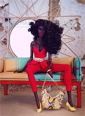 Nadja (Michaela Unbehau Photography) Tags: integrity toys nadja i slay fashion royalty fr fr2 nuface reckless diorama pink black michaela unbehau fashiondoll doll dolls toy photography mannequin model mode puppe fotografie