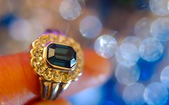 Jewels (YᗩSᗰIᘉᗴ HᗴᘉS +6 000 000 thx❀) Tags: ring jewels bijou bokeh doigt color brilliant hensyasmine