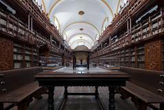 Biblioteca Palafoxiana (Timothy Neesam (GumshoePhotos)) Tags: bibioteca palafoxiana puebla mexico library 1646 colonial books globe fuji fujifilm xt2