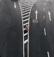 愿得一人心,谢顶不相离 Ride back home #phoneonly #rain #pudong #陆家嘴 #photography #phonegraphy #手机拍 (Lawrence Wang 王治钧) Tags: 愿得一人心,谢顶不相离 ride back home phoneonly rain pudong 陆家嘴 photography phonegraphy 手机拍