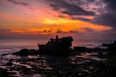 Tanah Lot sunset (Samuel Gmehlin) Tags: bali tanahlot sunset pagoda 峇里島 夕陽 日落 塔 夕阳