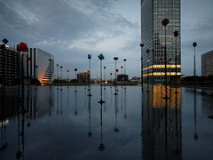 2016.06 - Paris, France (rambles_pl) Tags: paris france ladefense defense glooming sunset city skyscraper skyscrapers mirror