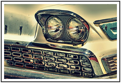 Clin d'oeil (marc.lacampagne) Tags: voiture old rusty rouille ancienne vieille americaine hdr canon 90mm detail car light tamron chrome american auto closeup ngc dof eos