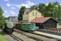 Nova Bystrice Station (tomas.jezek) Tags: railway railroad narrowgauge station locomotive czechia terminal train history attraction czech jhmd czphoto