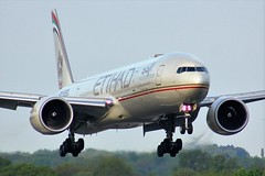A6-ETJ (AnDyMHoLdEn) Tags: etihad 777 boeing777 egcc airport manchester manchesterairport 05r