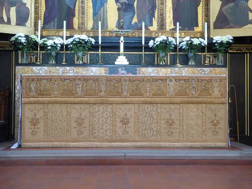 White & gold altar frontal