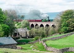 645 (30)828 Crosby Garrett viaduct 7 May 1994 Keith Sanders (Railcam) Tags: railway steam s15 828 crosbygarrettviaduct settlecarlisleline