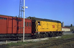 52-12-885:  X6 on Cement Train 4.20pm Sat 10-3-1973 (EBRG16) Tags: tgr tasmanianrailways englishelectric ee vulcanfoundry xclass dieselelectric devonport