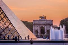 Arc de Triomphe du Carrousel and the Louvre Pyramid, Paris France (les.butcher) Tags: arcdetriompheducarrousel louvre pyramid paris france cournapoléon