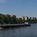 2017 Lastschiff auf dem Main vor dem Deutschherrnufer