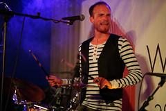 La Boum (mattrkeyworth) Tags: batis85 hoffestamstein weingutamstein würzburg konzert concert band sonya7rii ilce7r2 laboum