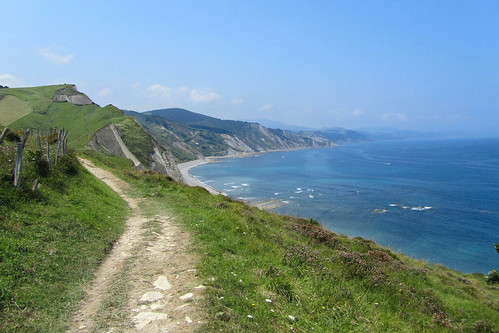 spain-basque-inn-to-inn-camino-del-norte-zumaia-cliffs-trail-
