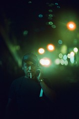 Urgent Call (TAHUSA) Tags: leica camera film analog negative c41 motionpicture moviefilm cinestill 800t 800 iso800 tungsten bokeh blur colour neonlights noctilux noct night 50mm f10 501 f1 e58 v1 hong kong tides nightlife hk local