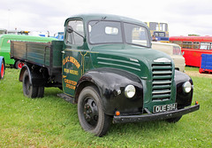 TV017537-Kelsall. (day 192) Tags: kelsall kelsallsteamvintagerally steamrally transportrally transportshow lorry lorries wagon truck classiclorry preservedlorry vintagelorry fordson thames et6 fordsonthameset6 ifcshenton oue994