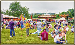 """""""Must Be Lunch Time"""" Wiston Steam Fair 2017 (bokosphotos) Tags: westsussex wistonsteamfair wistonhouse wiston allthefunofthefair lunchtime eatdrink fair affinityphoto affinity tonemap panasonic panasonicgh3 1235f28lens dmcgh3 tonemapped"""