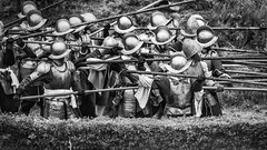 the battle of Bourtange (<<<< peter ijdema >>>>) Tags: bourtange groningen nl pentax ricoh battle thebattleofbourtange deslagombourtange deslagombourtangetachtigjarigeoorlog tachtig 80 helmet helm helmen long pikes