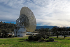DSS-43: 70m telescope at the Canberra Deep Space Communication Complex (Matthias Harbers) Tags: park canberra australia nature reserve australian capital territory afternoon evening sunset animated sun sky clouds canon powershot g3x 1 inch superzoom dxo photoshop elements topaz labs orange blue colors landscape outdoor sand tidbinbilla tidbinbillanaturereserve australiancapitalterritory mountain canberradeepspacecommunicationcomplex telescope dss43