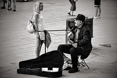 I'm your fan (Dirty Thumper) Tags: sony alpha a7 ilcea7m2 a7ii mirrorless minolta md tele 135mm vintage legacy manual mf bw monochrome flamenco guitar street people music travel candid barcelona catalonia catalunya cataluña spain sonyphotographing ilce musician woman
