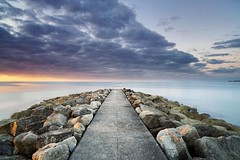 sandbanks sunrise (Daniel Mark Allen) Tags: sandbanks sandbanksdorset sandbankspooledorset poole pooledorset dorset danallen dorsetsunrise sea seascape groyne clouds zeiss 21mm nikon