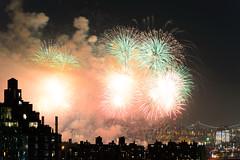 4th of July 2017 Macy's Fireworks-96 (Diacritical) Tags: brooklyn nycmacys nikond4 pattern 70200mmf28 30secatf71 july42017 85424pm f71 195mm 4thofjuly fireworks macysfireworks nyc night skyline