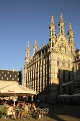 Het stadhuis van Leuven (het mooiste van het land :)) (Kristel Van Loock) Tags: leuven louvain lovanio lovaina atleuven visitleuven seemyleuven leveninleuven löwen leuvencity iloveleuven drieduizend grotemarkt grandplacelouvain stadleuven may2017 mei2017 erfgoedleuven erfgoed vlaanderen vlaamsbrabant visitflanders visitbelgium visitflemishbrabant visitvlaamsbrabant visitvlaanderen toerismevlaanderen toerismevlaamsbrabant toerismeleuven toerismebelgië fiandre flanders flandre flemishbrabant brabantflamand brabantefiammingo belgium belgique belgien belgica belgië belgio europe europa city seemycity town stadhuis townhall cityhall municipio rathaus hôteldeville ville città gebouw biulding architecture edificio turismofiandre