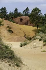 Earth colours / Colors de la terra (nuriapase) Tags: rustrel rustreau colours colors terra tierra earth ocre sendierofocre provence france red orange yelow blue green nature dunas dunes