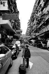 回家    On the way to home (C. Alice) Tags: street people car 2017 bw blackwhite elderly city huawei leica p9 mhal29 mobile huaweimate9 mate9 hongkong architecture asia building favorites30 favorites50 blackdiamond blackandwhiteonly blackwhitephotos 1500v60f
