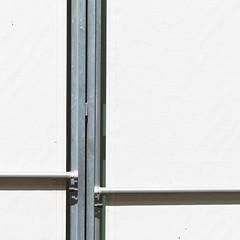on a different level (zeh.hah.es.) Tags: storen zurich zürich schweiz switzerland kreis5 vertikal vertical horizontal schatten shadow weiss white grau gray grey grün green blau blue