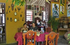Santa Fe de Antioquia (zug55) Tags: santafedeantioquia colombia antioquia santafe villadesantafé valledelcauca caucavalley marcus anna restauranteportóndelparque portóndelparque restaurante restaurant