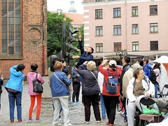 26 giu 2017 - Riga - I tre musicanti (1) (Thelonelyscout) Tags: riga lettonia latvia blackheads three brothers