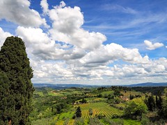Tuscan countryside (niallfritz) Tags: italy tuscany clouds countryside farmland coth greatphotographers coth5 platinumheartaward ruby10 greatestphotographers ruby15 ultimatephotographers