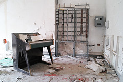 SDIM1838 (ezcrope) Tags: sigma dp merrill manicomio ospedale girifalco catanzaro abbandonato psichiatrico abandoned hospital psychiatric dirty