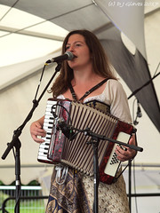 Emily Howard (ExeDave) Tags: p6031115 emilyhoward vocalist thedillyboys exeter respect festival 2017 belmont park devon sw england gb uk p1060418 acoustic folk group band singersongwriter gig concert diversity stage live alldifferent allequal city celebration inthepark