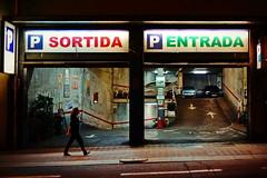 nightwalk (Dirty Thumper) Tags: sony sonyphotographing alpha a7 a7ii ilcea7m2 mirrorless canon fd 50mm mf legacy vintage manual travel street city night barcelona catalonia catalunya cataluña spain