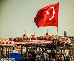 ISTANBUL (01dgn) Tags: eminönü istanbul turkey türkei türkiye city urban life travel red colors sky bayrak