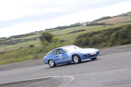 Eyre Massey in the HRCA Historic Sports Cars at Kirkistown, June 2017