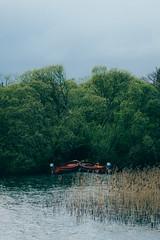 2 boats, 1 path