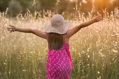 Summertime (Nathalie Le Bris) Tags: summer summertime été verano girl sunset amanecer