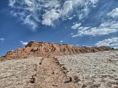 The colors of the Valley of the Moon (Luna y Valencia) Tags: valledelaluna sanpedrodeatacama deserto desierto chile cile atacama